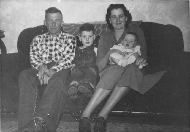 Glenn, Ron, Marjorie, Ruth Circa 1951